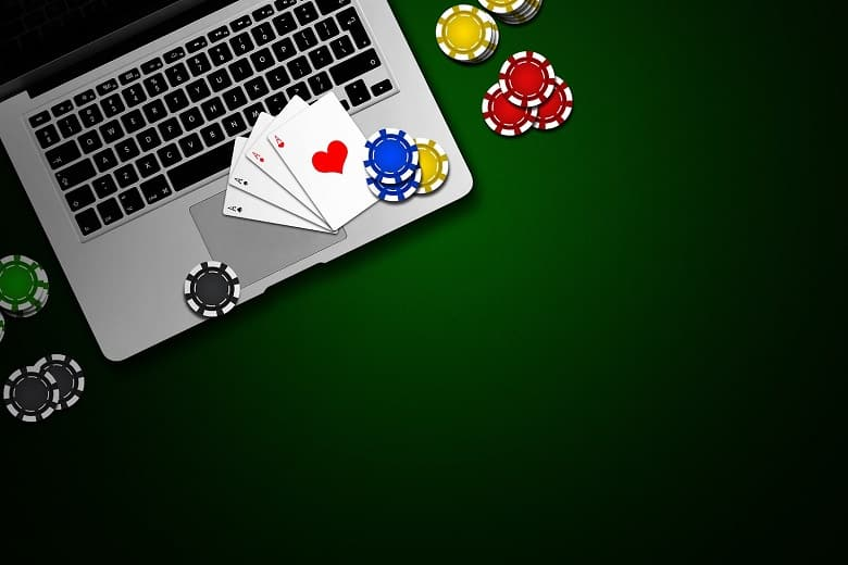 Poker Guide: How Can You Play Poker Online With Friends?